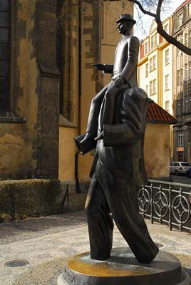 FRANZ KAFKA MONUMENT - Click here for bigger picture